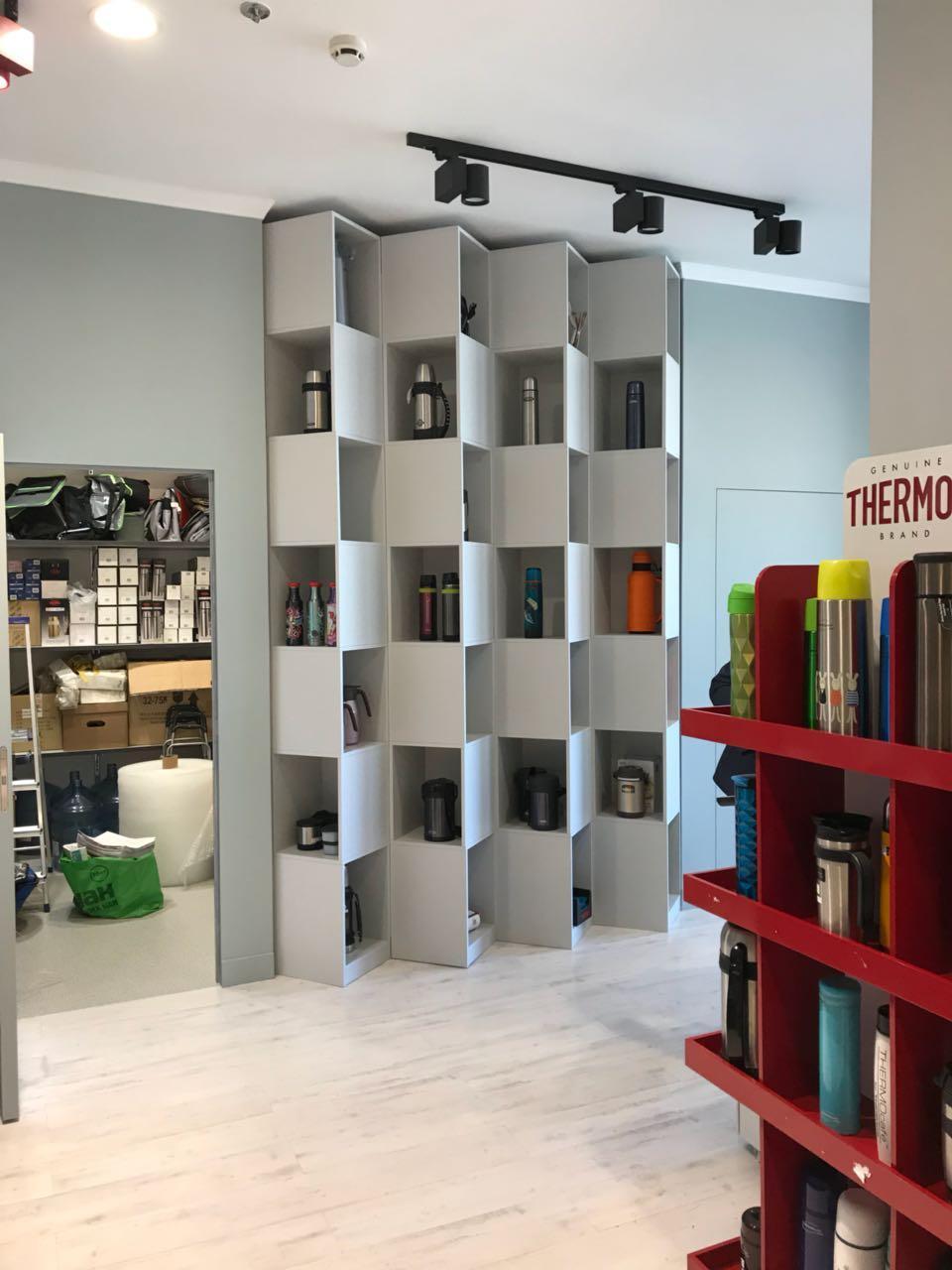 Дизайнерские шкафы в офис Thermos