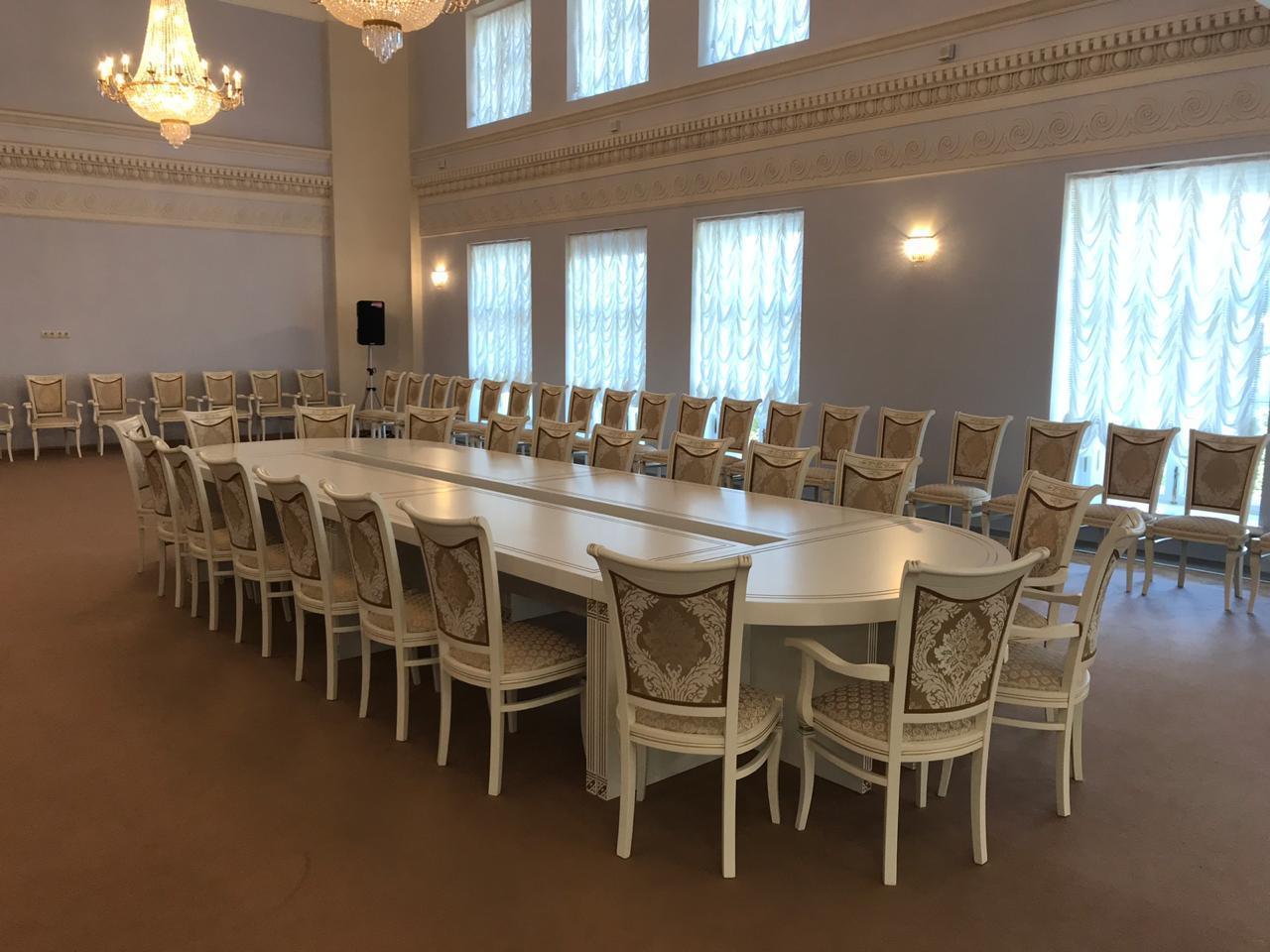 Переговорный стол в фонд П.А. Столыпина