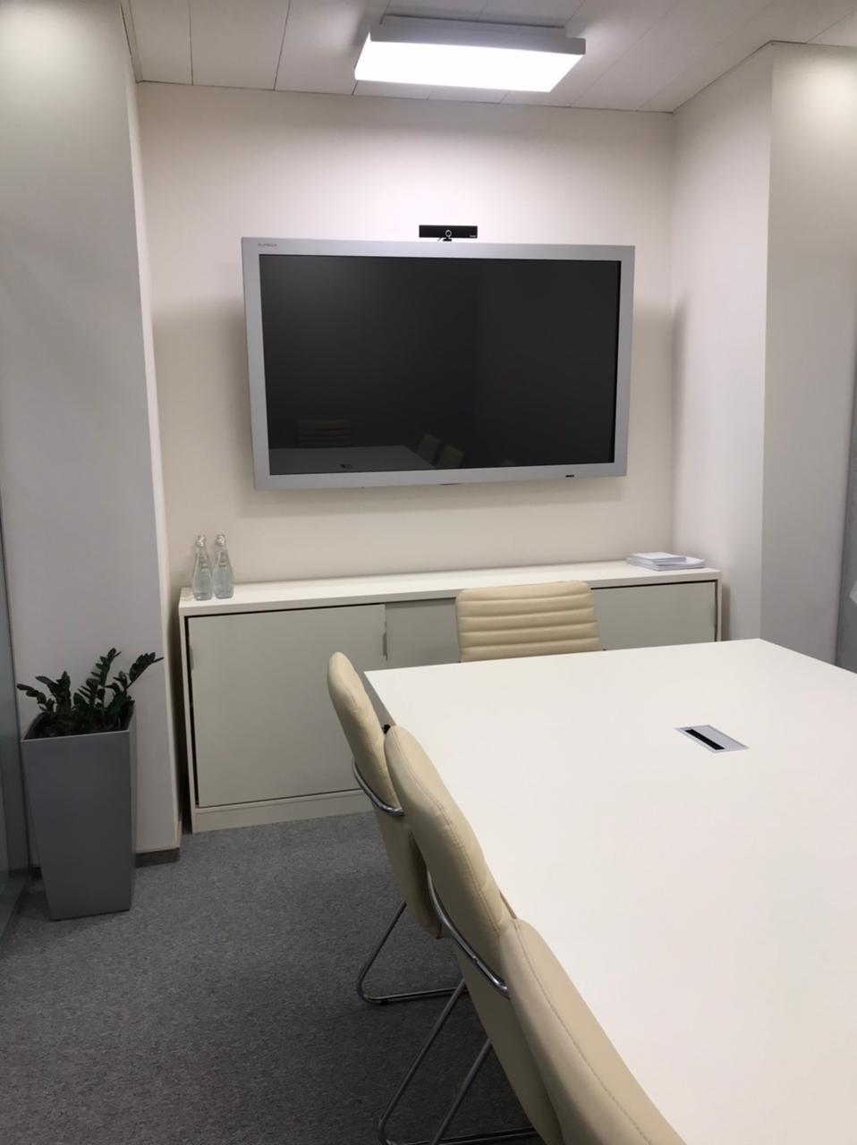 Мебель для переговоров в компанию Рево Чардж Рус